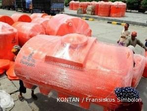 Mengumpulkan untung dari usaha pembuatan tangki air