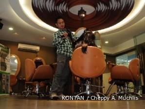 Rudy Hadisuwarno mengawinkan salon dan klinik kesehatan