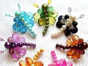 Walau timbul tenggelam, bisnis pembuatan perhiasan dari manik-manik