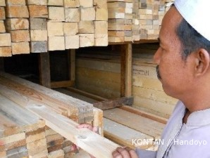 Sentra kayu palet: Menjual limbah kayu bekas palet nan cerah (1)