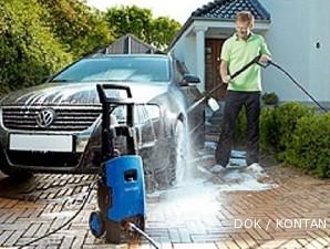 Cuci Mobil Sendiri Dengan Mesin Bertekanan Tinggi