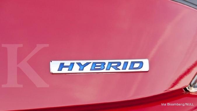 Pabrikan wajib produksi mobil hybrid BBM dan gas