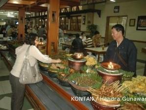 Rumah makan lokal yang berharap jadi tuan rumah di negeri sendiri