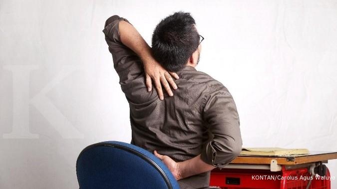 Penyebab sakit pinggang bisa dicegah dengan mengatur postur tubuh yang baik.