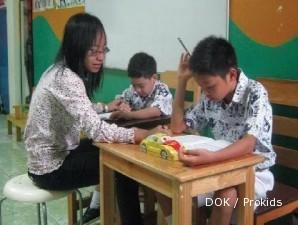 Senyum laba dari kesabaran mendidik anak berkebutuhan khusus