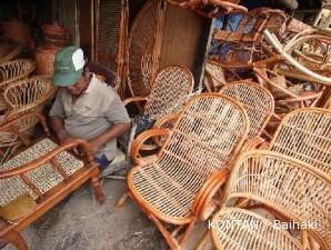 Sentra industri rotan Cirebon mulai bergairah