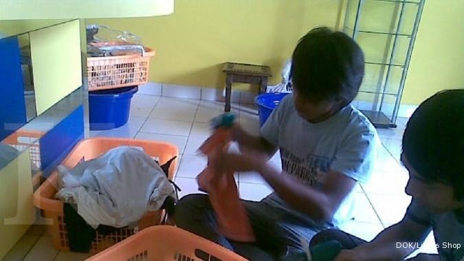 Bisnis cuci pakaian selalu basah