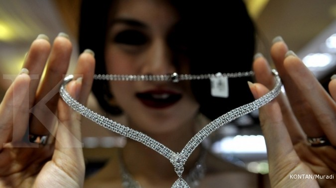 Beli berlian gratis emas di pameran the palace for Passion jewelry taman anggrek