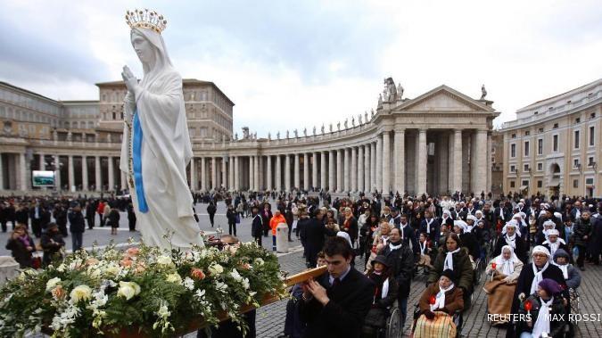 Direktur Bank Vatikan kena pecat