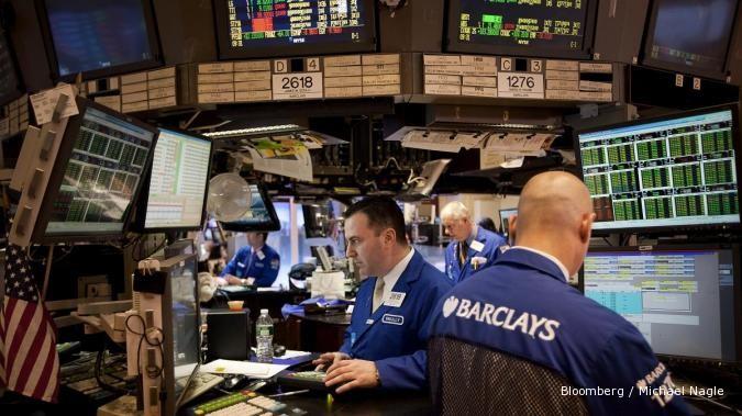 Tingkat penggangguran naik, Wall Street tumbang