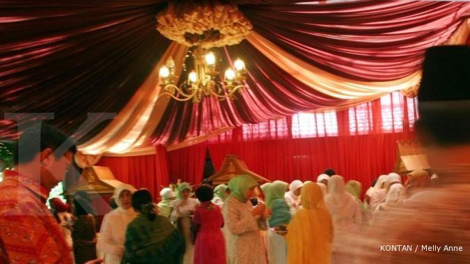 Bisnis mengembang dari dekorasi si tenda biru