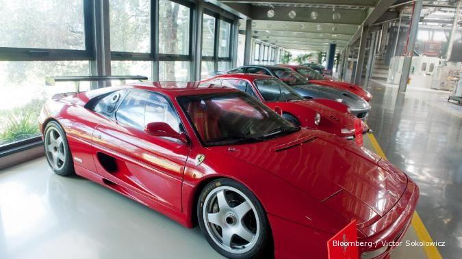 Ini daftar mobil mewah di atas Rp 5 miliar di IIMS