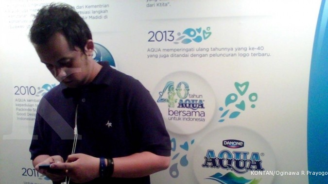 Aqua target jual 8,96 miliar liter air