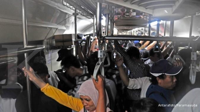 tarif krl commuter line turun 50 % asyik tarif kereta api jabodetabek