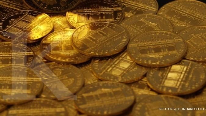 Pasar saham rontok, emas kembali bangkit