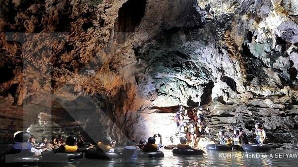 Libur panjang, wisatawan membeludak di Goa Pindul
