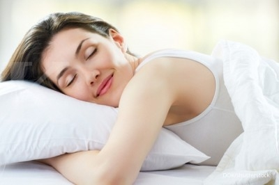 Pentingnya tidur memeluk guling