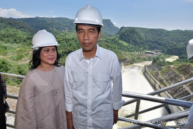 Trik Presiden Jokowi agar tak terlihat lebih kurus - Page 1