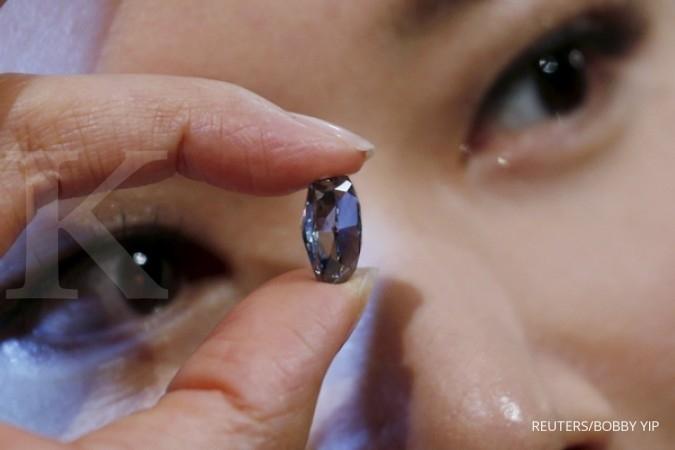 Rekor harga berlian termahal di lelang Sotheby's