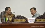 Jokowi minta relawan laporkan pejabat tak becus
