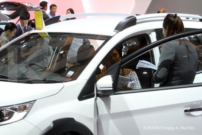 Jusuf Kalla membuka pameran otomotif IIMS 2017