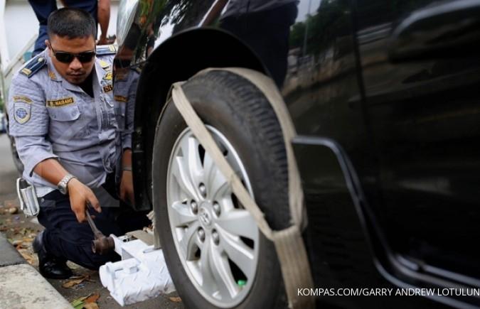 Di DKI Jakarta pemilik mobil wajib punya garasi