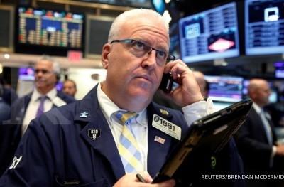 Laba perusahaan mengecewakan, bursa AS terpeleset