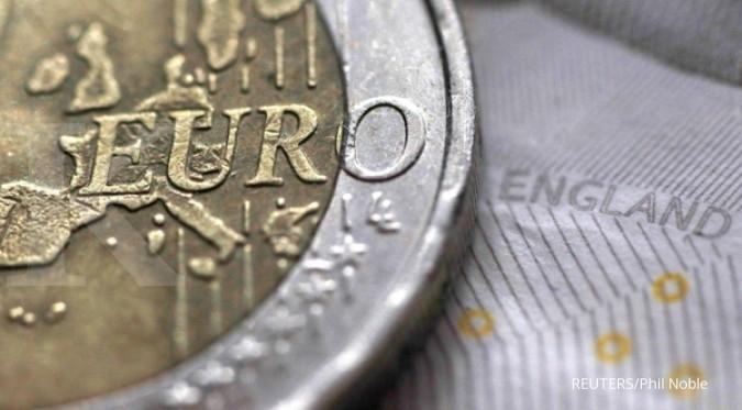Sama-sama diterpa sentimen negatif, euro mampu ungguli poundsterling