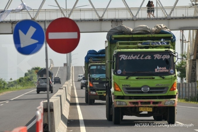 Mulai hari ini, truk dilarang melintas di tol