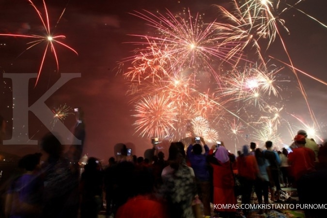 Kembang api meriahkan Tahun Baru di Jayapura