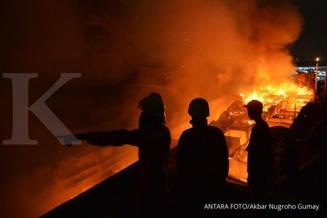 Lantai 2 Gedung Nusantara III DPR dilalap api