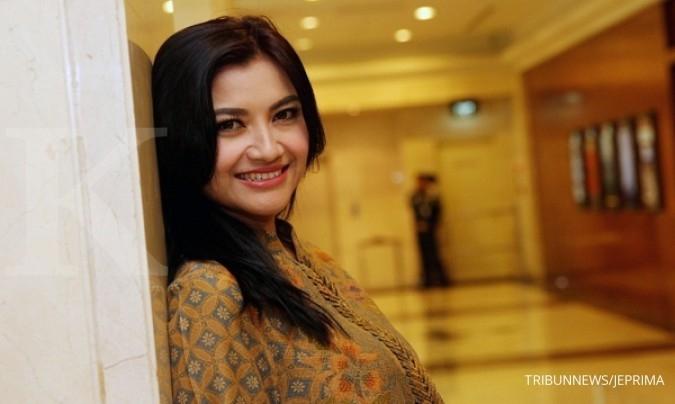 Presenter Tina Talisa awali debut di industri film