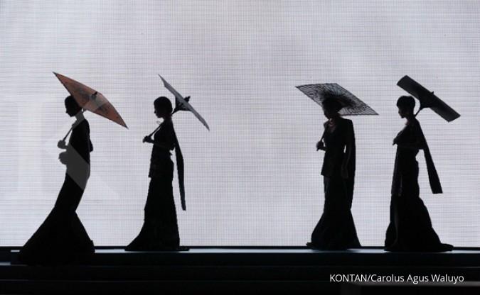 Lenggak-lenggok di Jakarta Fashion Week