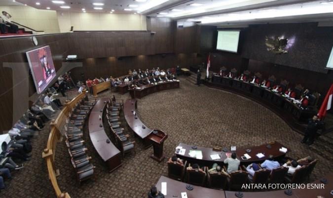 MK terima Keppres pemberhentian Patrialis