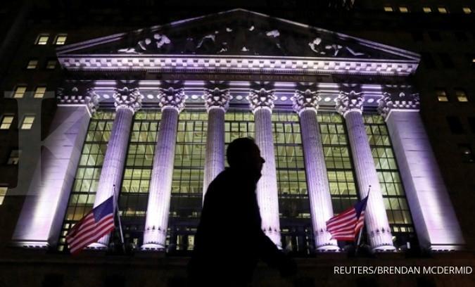 Investor tarik napas, Wall Street melemah tipis
