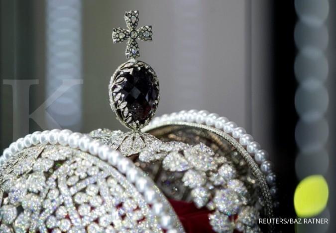 Kilau berlian tak lekang oleh waktu