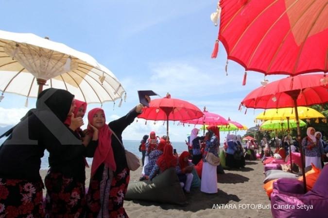 Wisatawan padati laut selatan Sukabumi