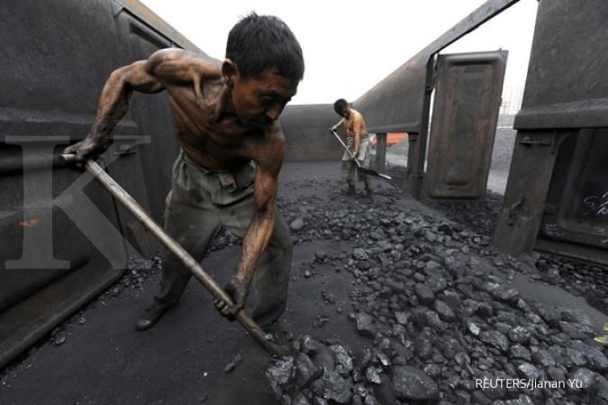 Keringnya permintaan terus seret harga batubara