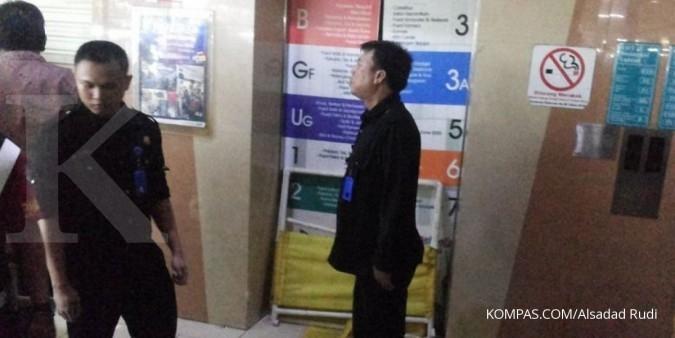 Lift Blok M Square jatuh diduga karena overload