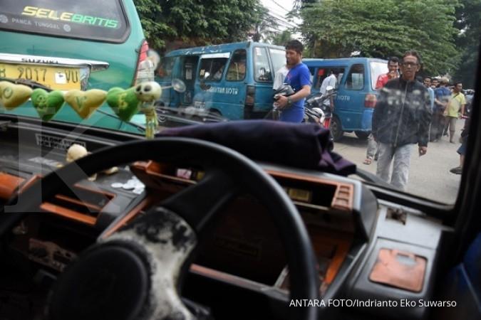 Tarif atas & bawah taksi online bisa berbeda-beda