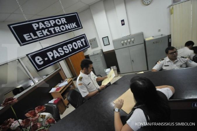 Kemnaker ingin ada syarat Rp 25 juta bikin paspor