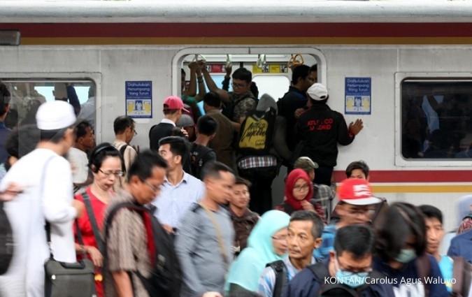 Aksi 55, kereta api berhenti di Jatinegara
