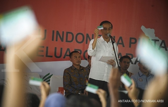 Ekonomi adil, Jokowi beri 10.000 surat tanah Solo