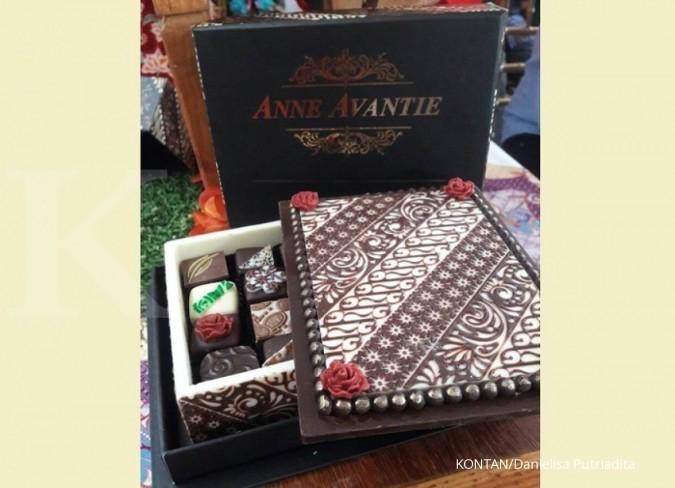 Kolaborasi apik Dapur Cokelat dengan Anne Avantie