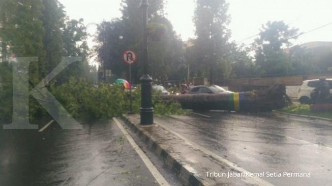 Hujan es kembali melanda Bandung