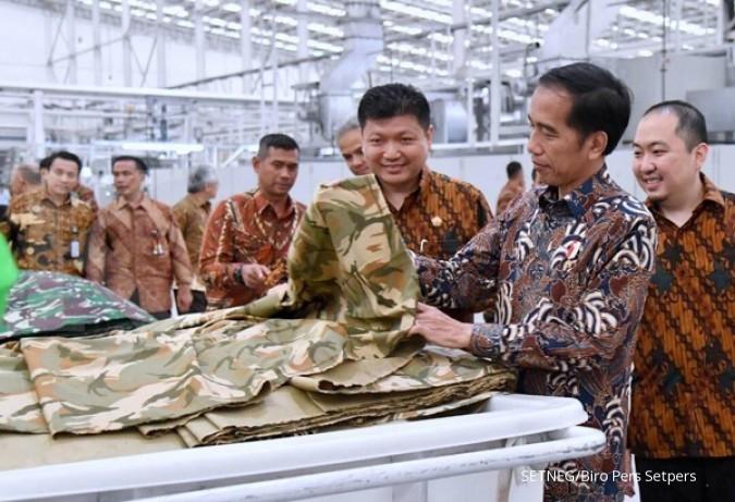 Di Sritex, Jokowi ajak tinggalkan produk impor