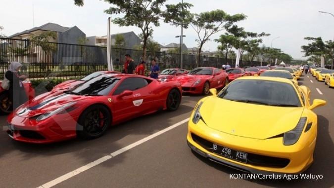 Berburu mobil mewah di jalanan Jakarta