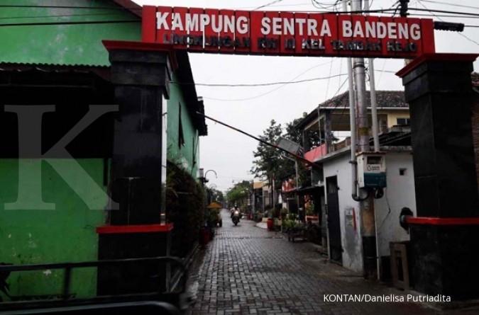 Belanja olahan bandeng di Tambakrejo, Semarang (1)