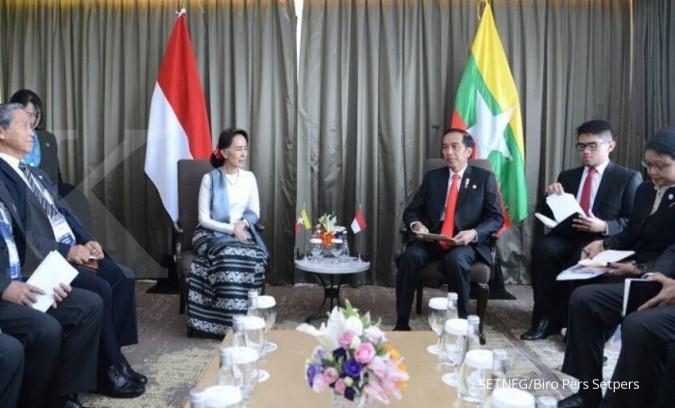 Jokowi minta Suu Kyi jaga perdamaian di Rakhine