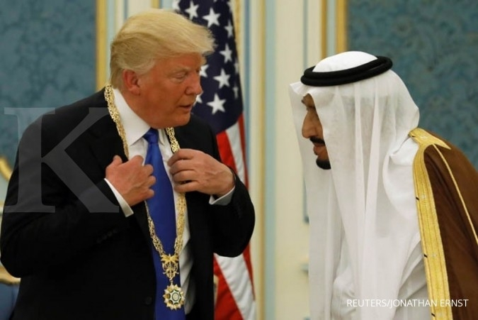 Trump pada negara Islam: Usir kelompok ekstrimis!